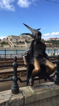 Little Princess Statue on the Danube Promenade