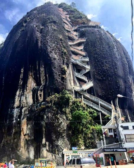 el penon de Guatape stairs