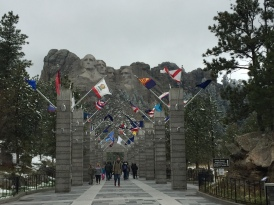 Mt Rushmore - Avenue of Flags
