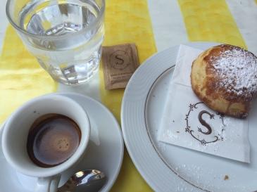 Sfogliatelle at Scaturchio café